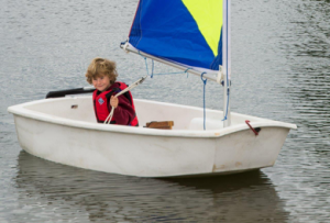 sailing-child-on-boat